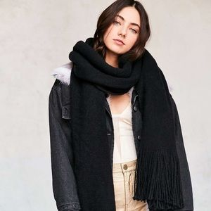 Urban Outfitters black blanket scarf NWT